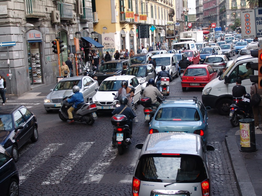 Traffic in Italy - Italian Driving