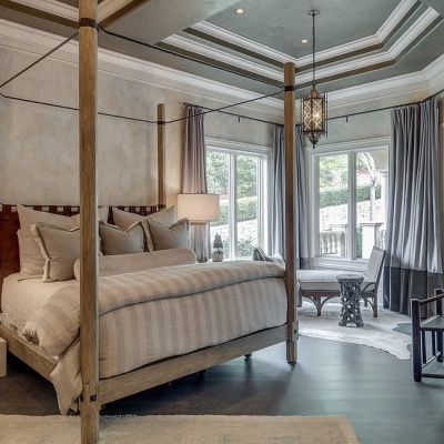 Textured Aquarello Bedroom Suite with Metallo Ceiling - Venetian Plaster Wall Finishes by Plaster Artistry