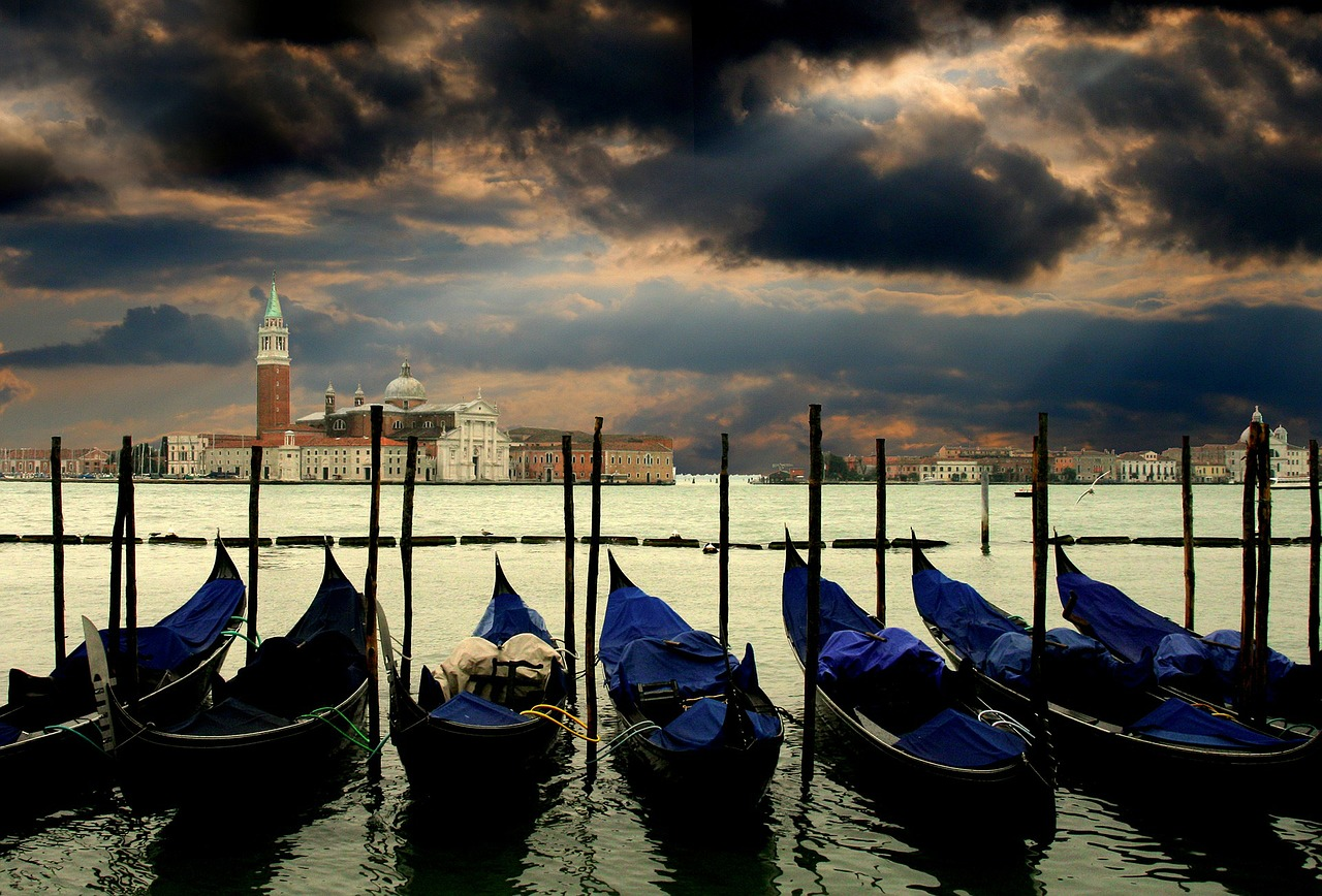 Venetian Plaster History - Gondolas in a Storm