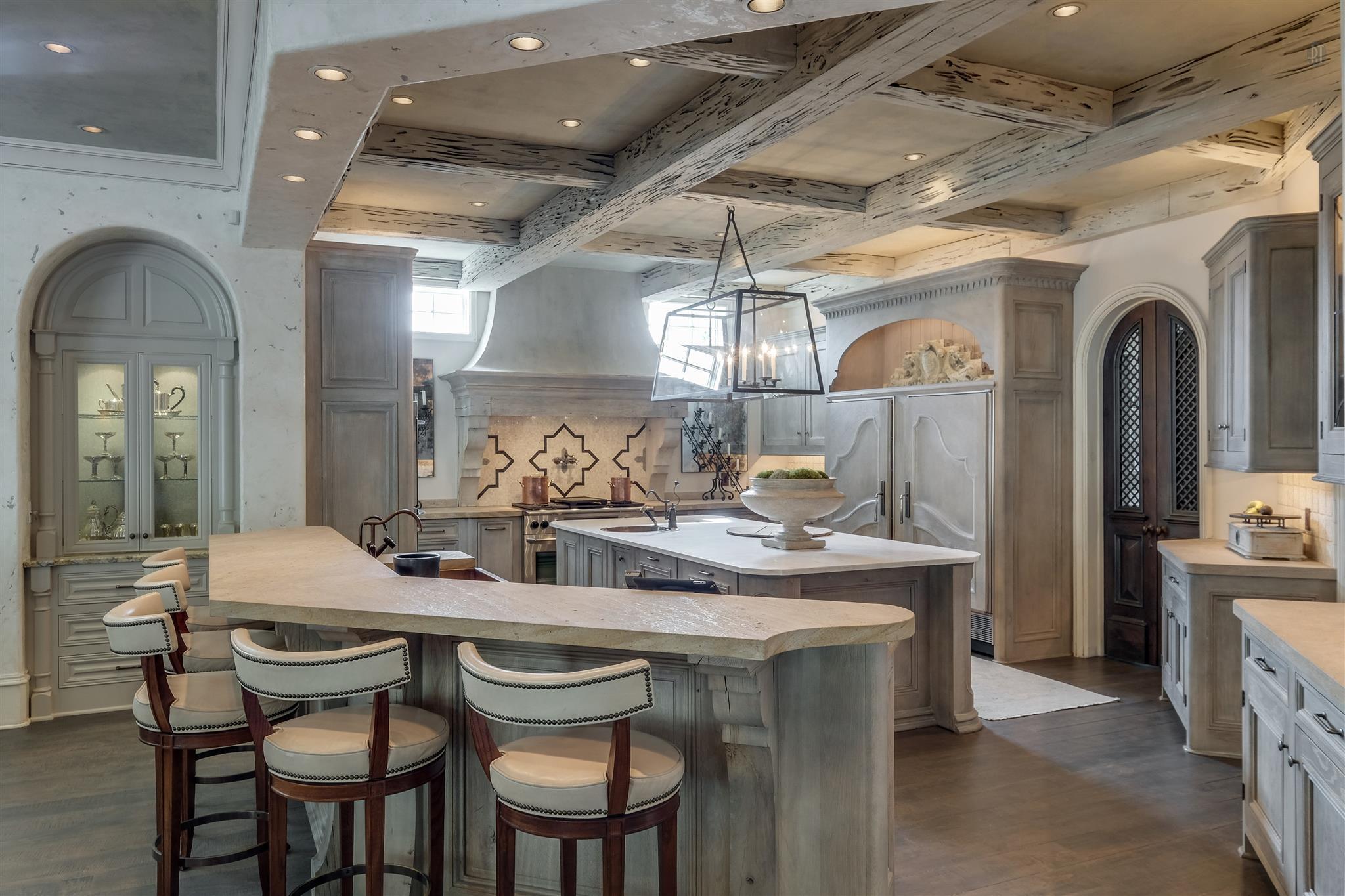 Verona, layered and rustic Venetian Plaster, by Plaster Artistry in Leisure / Breakfast Room